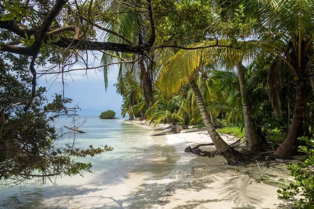 5 Must-Visit Caribbean Locations Full Of Pirate Lore